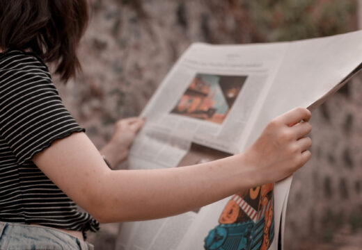 person-reading-newspaper-2848021_edit